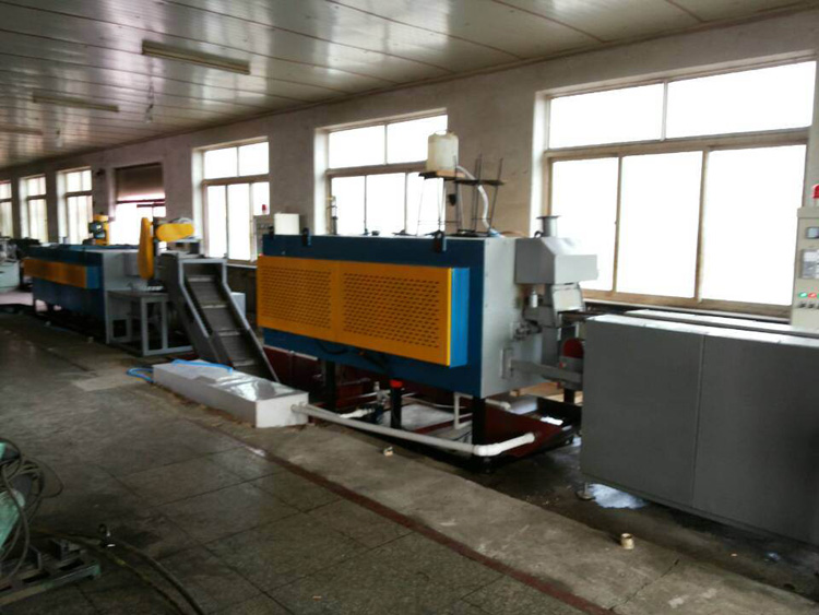 Heat treatment production line of large roller type mesh belt furnace
