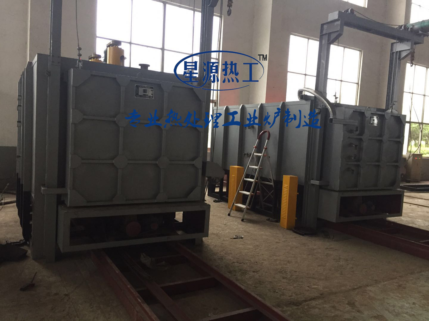 Qian rod cylinder block quenching and tempering furnace for construction machinery